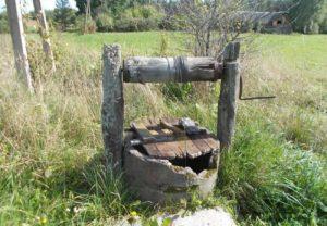 Ремонт колодца в деревне Холмец